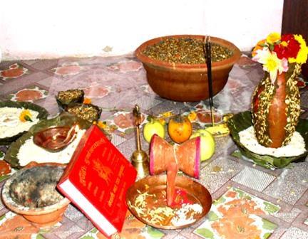 नेपालीहरुको महान चाड बडादशैं आजदेखि सुरु, घर–घरमा घटस्थापना